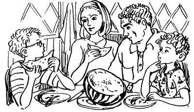 Дениска с родителями и Павля за столом разрезали арбуз
