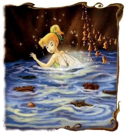 фея Динь-Динь в воде
